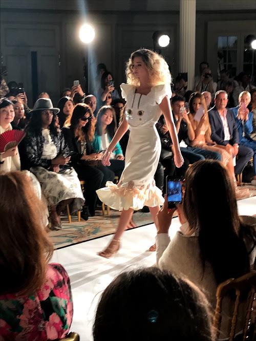 VisteLaCalle en Paris Fashion Week: Alianna Liu