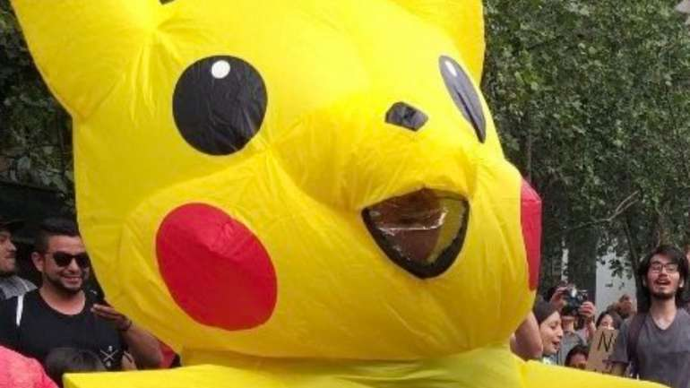 """Entrevista a Giovanna Grandon la mujer tras baila Pikachu: """"Mi hijo de 7 años le tomó el celular a mi marido e hizo muchas compras por AliExpress, entre ellas, el disfraz de Pikachu"""""""