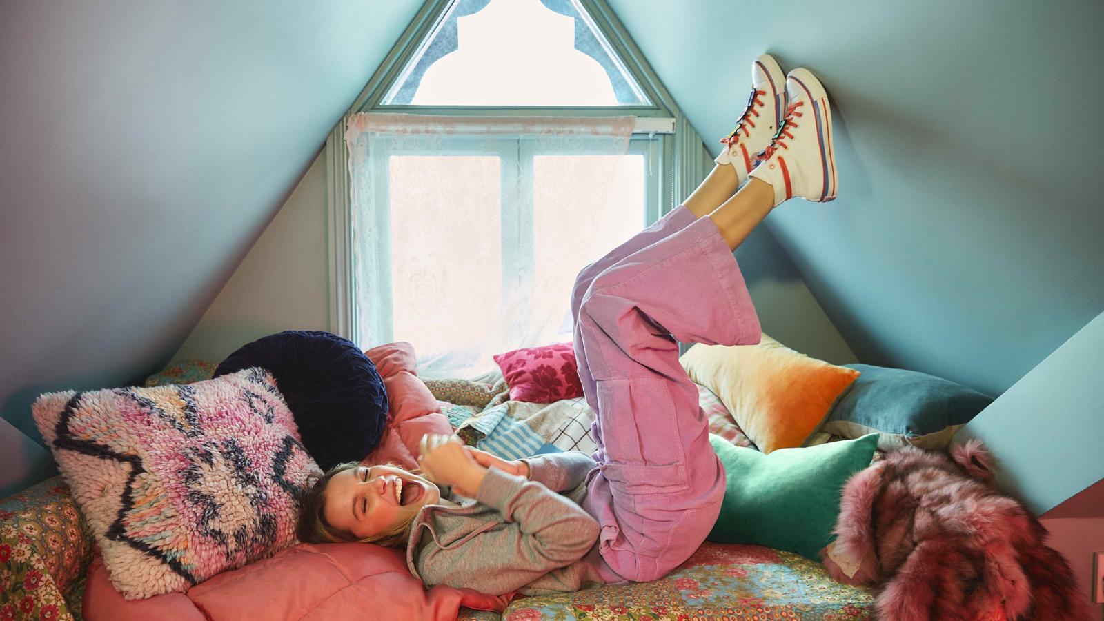 La segunda colección de Millie Bobby Brown y Converse
