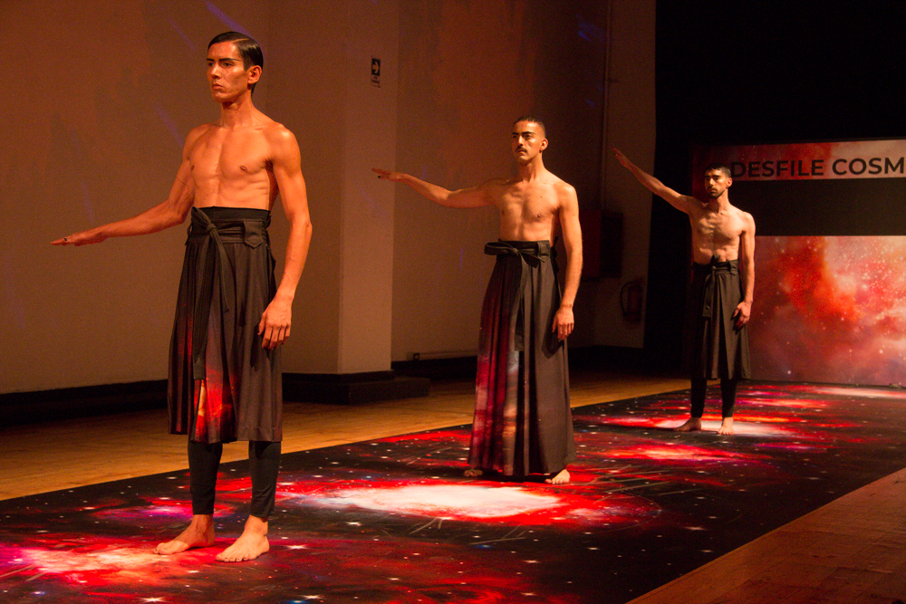 Apoyemos los talentos nacionales: El desfile Cosmos de Epson x VisteLaCalle