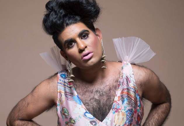 Moda rebelde: Alok Vaid-Menon, un estilo fuera del binarismo de género