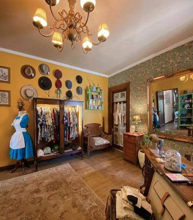 Entrevista a Orlando Berrio creador de Alice's Room, un nuevo espacio para la ropa reciclada