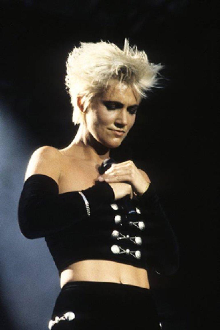 Dress for success: Cómo los looks de Marie Fredriksson definieron los '90