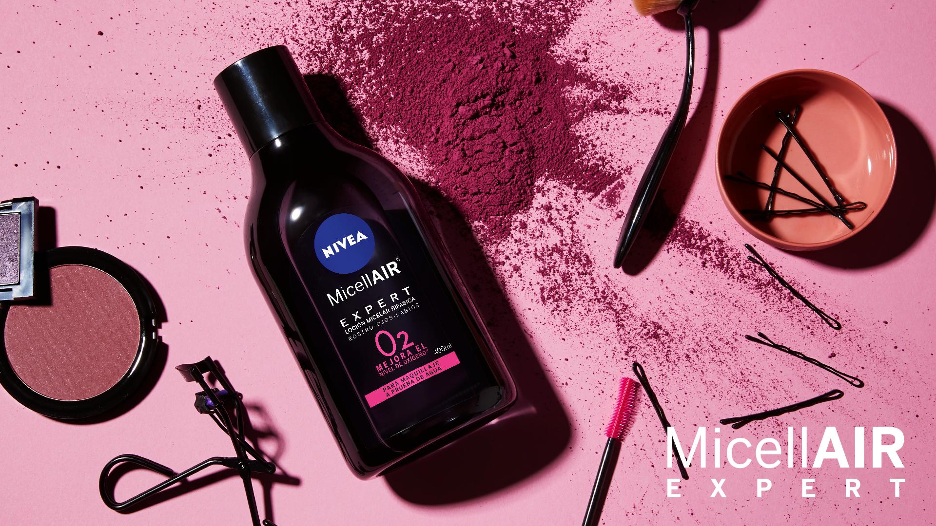 Cuando te equivocas de maquillaje, la idea de limpiar el rostro es sinónimo de un largo tiempo, pero ahora con el nuevo MicellAIR Expert de Nivea todo será más fácil