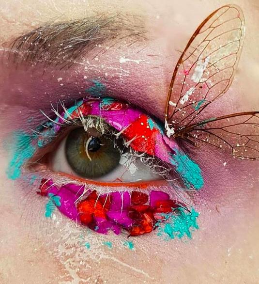 @gothwok, una maquilladora que recrea películas en sus párpados