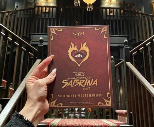 """NYX lanza una paleta de maquillaje inspirada en la serie """"Chilling Adventures of Sabrina"""""""
