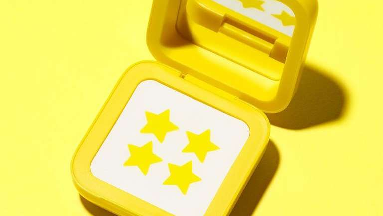 StarFace: la marca cosmética que vende parches para el acné