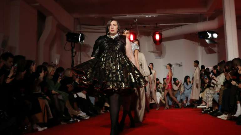 Lena Dunham desfila en London Fashion Week para 16Arlington