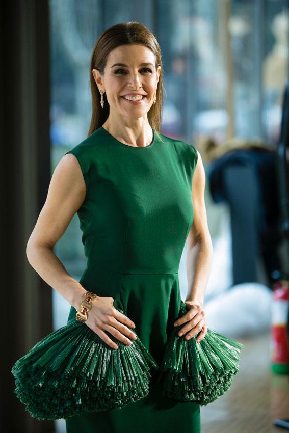 El estilo y rol de Raquel Sánchez en Maestros de la Costura