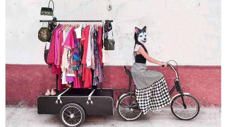 A propósito del Día Mundial de la Bicicleta: 'Bici Boutique', la creativa y sustentable tienda móvil de Constanza Contreras