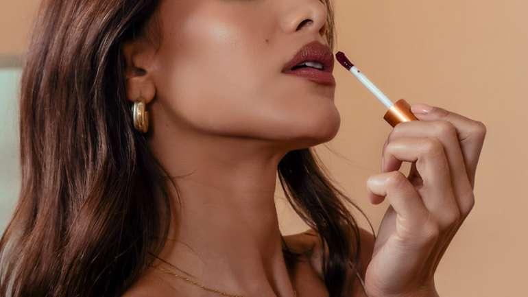 Elaluz: la línea de maquillaje de la beauty blogger Camila Coelho