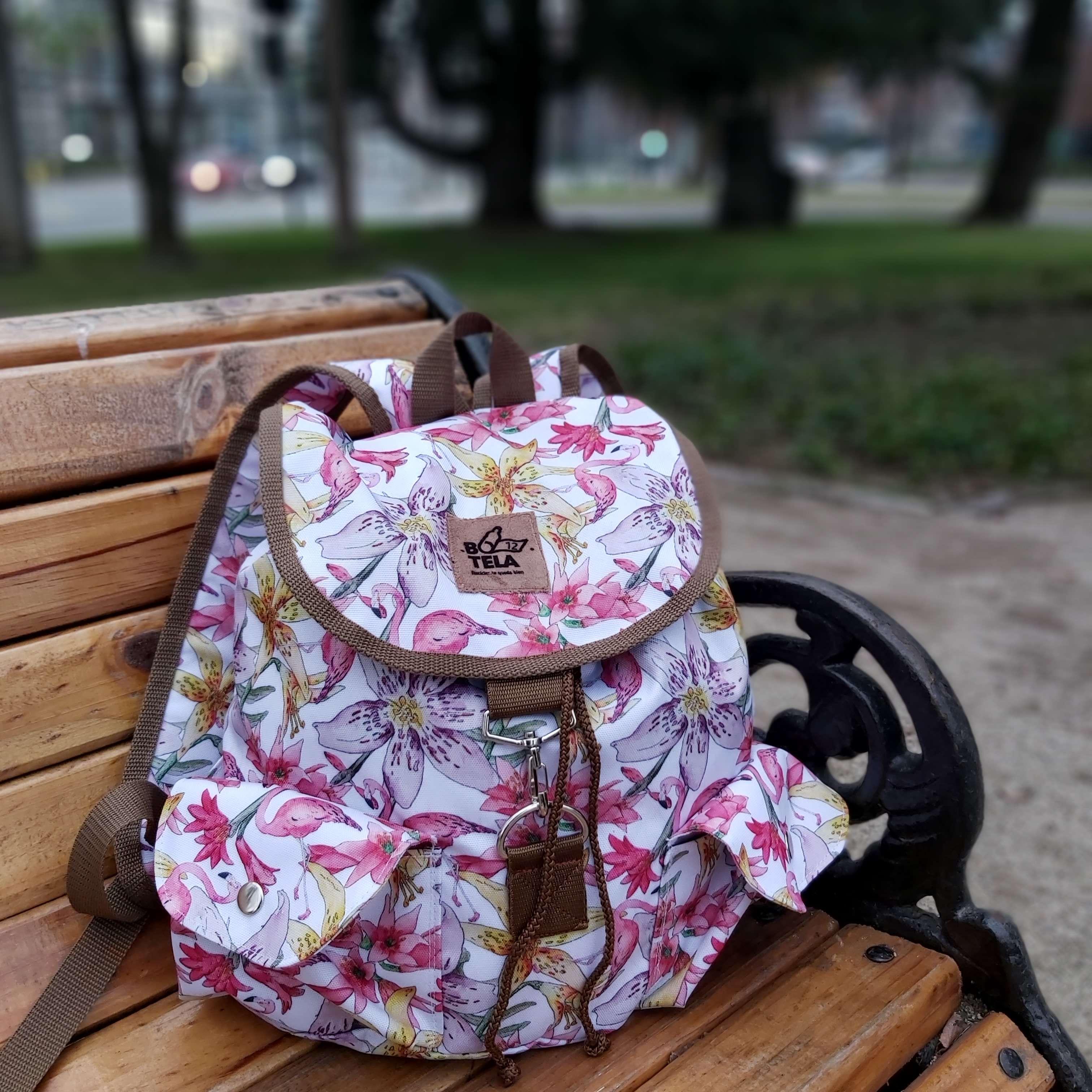 Emprender en Chile en época de crisis: Botela, una marca de mochilas hechas con plástico reciclado