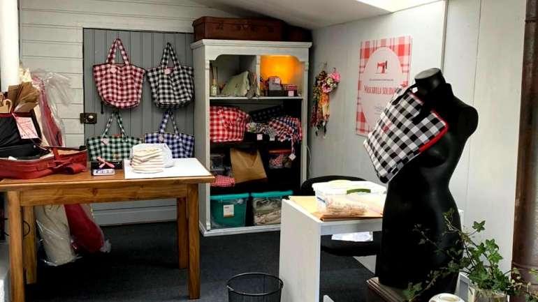 Desde Temuco, Ana y Mónica nos presentan su taller de costura solidaria