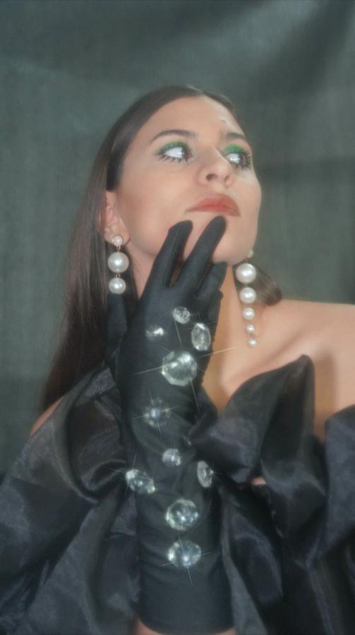 'FÈMINA': lo próximo de la cantautora nacional @estezamusic bajo el lente de la fotógrafa @isidorapardo