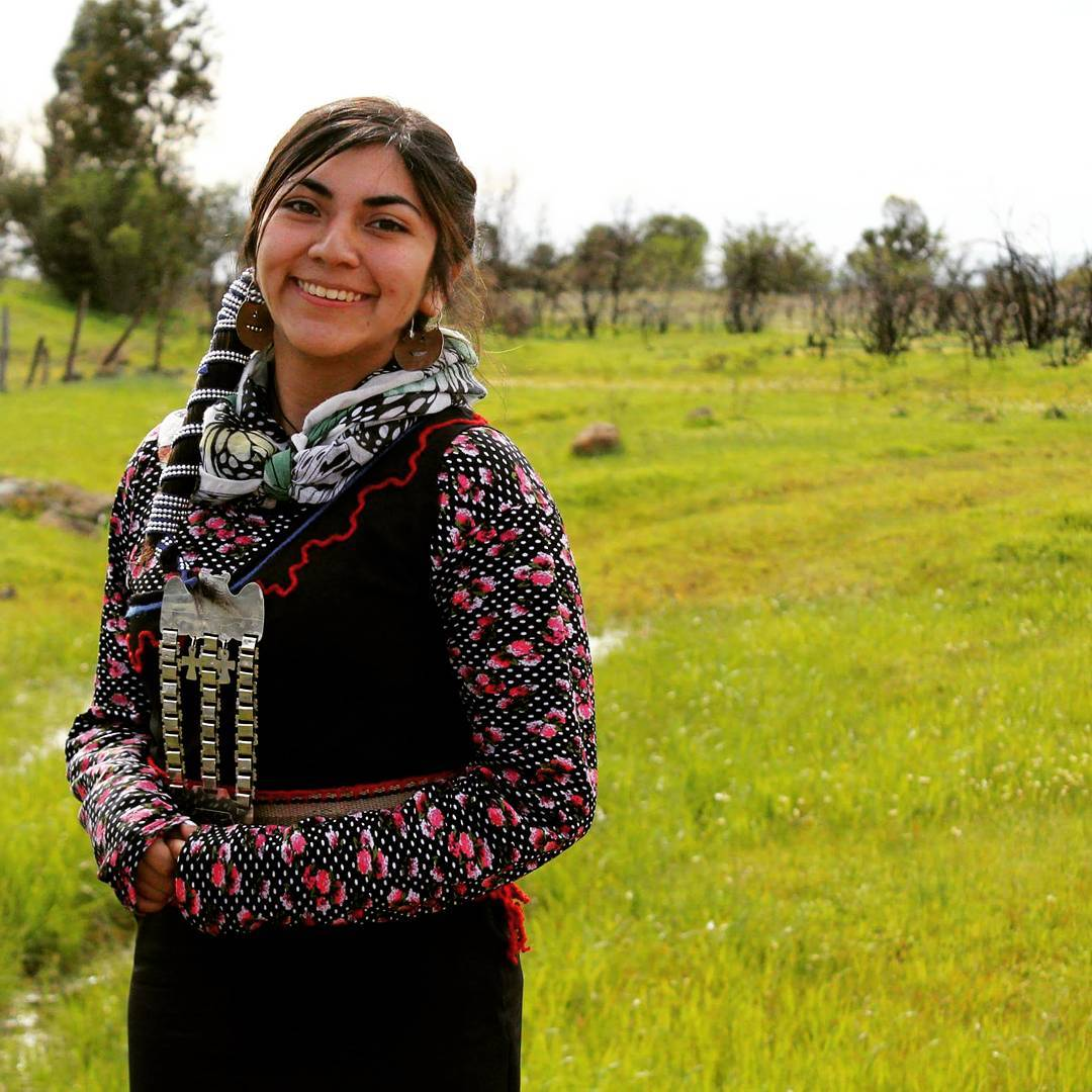 Identidad, cultura e historia: Sofía Huaiquil, la joven que llegó a TikTok para educar sobre el pueblo mapuche
