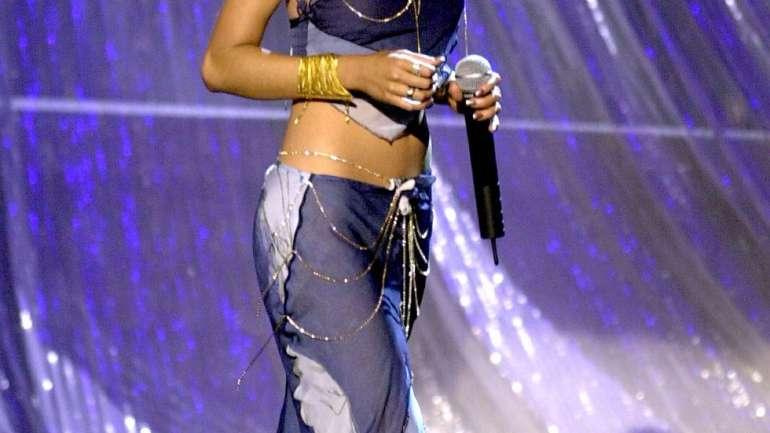 Un repaso a los looks de Christina Aguilera en los 2000