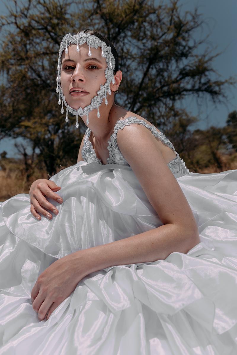 Rodolfo Vera nos presenta Orígenes, una colección estilo couture ideada en tiempos de pandemia