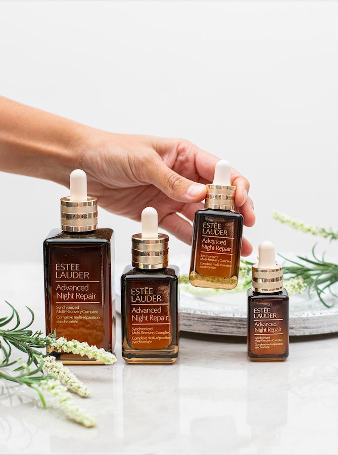 Estée Lauder lanzó su plataforma de ecommerce, e incluyó un probador de cosméticos virtual