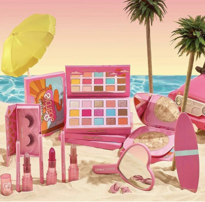 La colección de maquillaje que celebra los 50 años de la Barbie Malibú