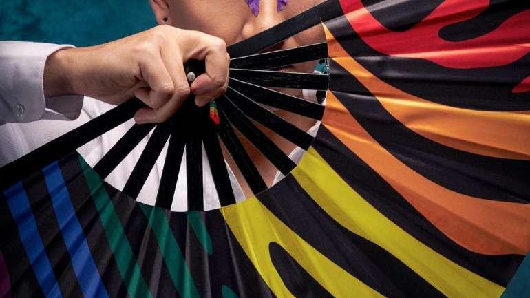 """Conversamos con Pablo Bustos, fundador de The Universe Colors: """"Creemos que el abanico es un producto y un accesorio atemporal, y así lo ha demostrado la fidelidad de nuestros clientes"""""""