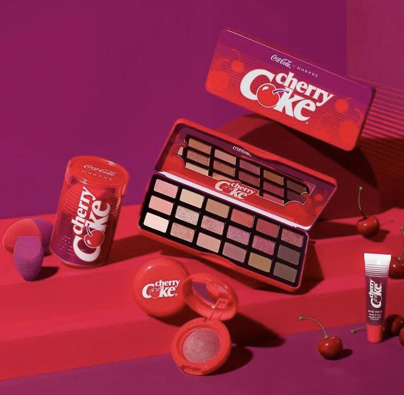 Tercera versión de la línea Morphe x Coca-Cola