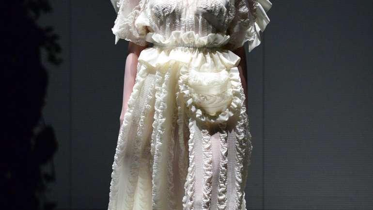 Houga, la marca japonesa que propone vestidos de fiesta para la rutina