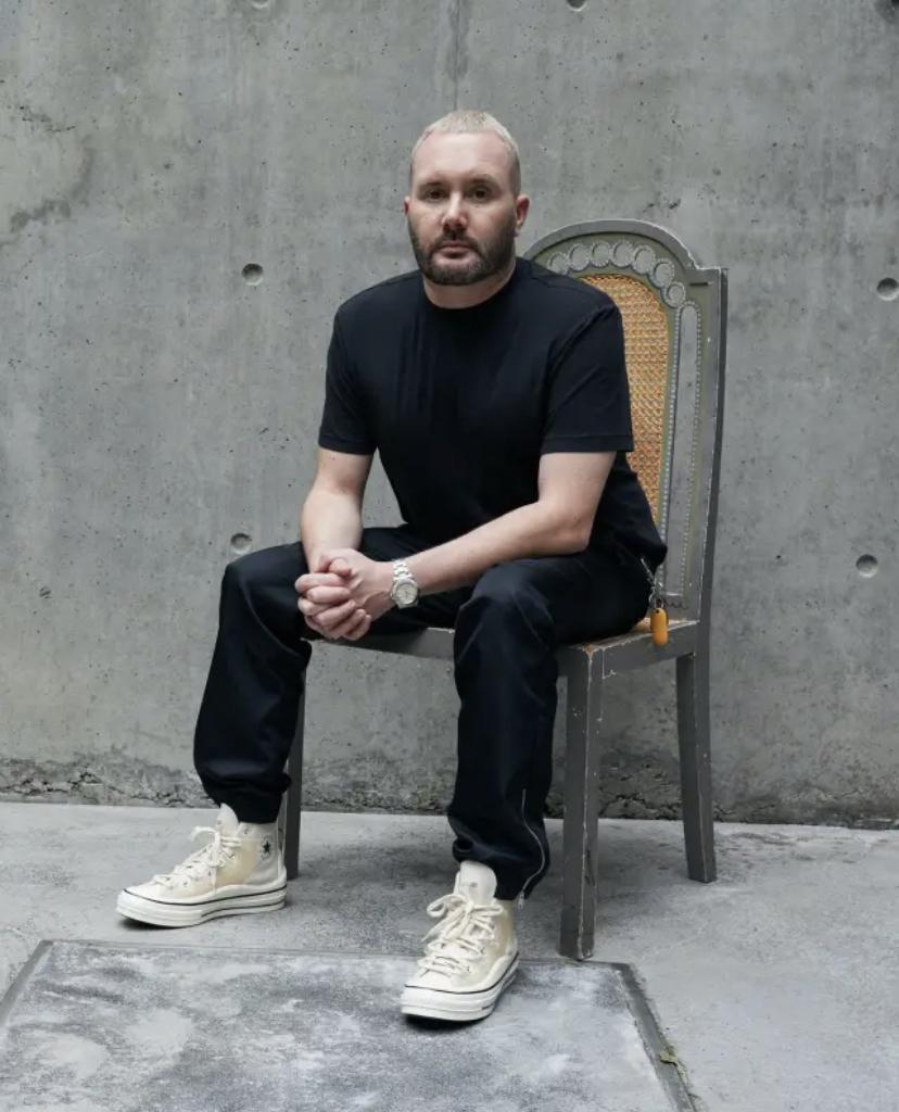 El diseñador Kim Jones colabora con Converse